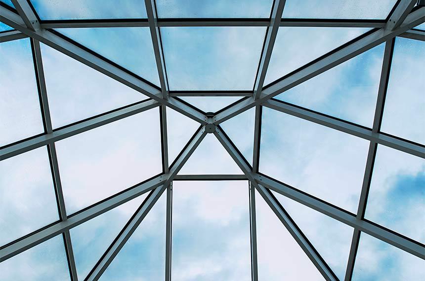 Glaspyramidendach